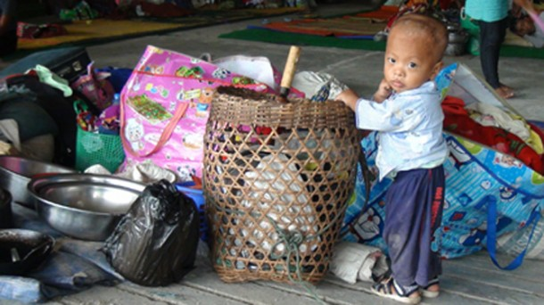 A Kachin child at a temporary shelter for refugees in Laiza, Kachin State. (Photo: The Irrawaddy)