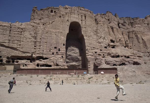pakistan  buddha attacked by taliban gets facelift