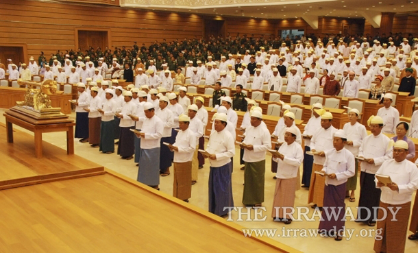 Members of Burma's new government swear in during the final session of Burma's Union Parliament in Naypyidaw on March 30, 2011. (Photo: The Irrawaddy)