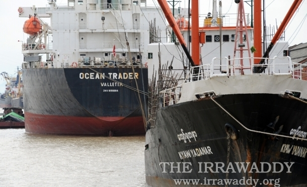Ships docked in Rangoon. (Photo: Steve Tickner / The Irrawaddy)