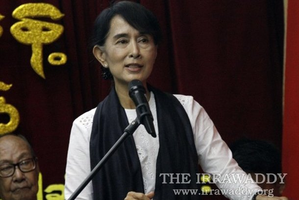 Aung San Suu Kyi addresses protesters in Monywa, Sagaing Division, on Thursday evening. (Photo: The Irrawaddy)