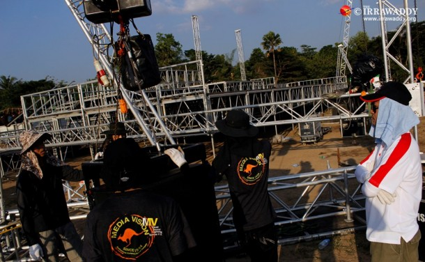 Workers build a large stage and sound system at Rangoon's Myoma Parade Ground last week for the city's first-ever New Year's countdown, at which 50,000 visitors are expected. (Photo: Jpaing/The Irrawaddy)