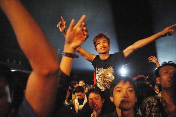 Fans of Burmese rock band Iron Cross go wild at a concert in Mae Sot, Thailand, on Jan. 13, 2013. (Photo: Brennan O'Connor / The Irrawaddy)