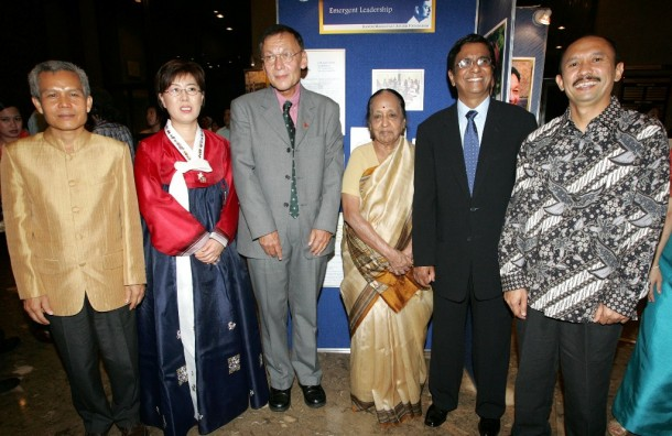 Sombath Somphone, far left, stands with other winners of the Ramon Magsaysay Awards in Manila on Aug. 31, 2005. (Photo: Reuters)
