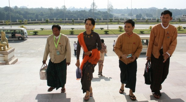 Aung San Suu Kyi, second from left, walks up the steps to Burma's Parliament with fellow National League for Democracy MPs on Jan. 16, 2013. (Photo: Tha Lun Zaung Htet / The Irrawaddy)