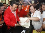 Ex-Philippine President Leading in Race for Manila
