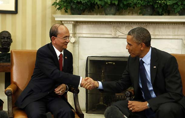 US President Barack Obama shakes hands with Burma's President Thein Sein in the Oval Office at the White House in Washington on May 20, 2013. (Photo: Reuters / Larry Downing)