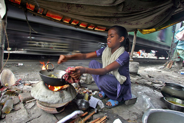 India, poverty, railway, children, child rights, education, child abuse