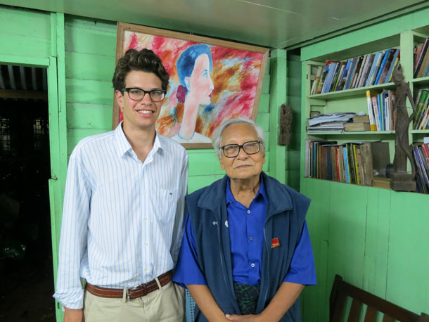 Reid Lidow meets with Burmese democracy activist Win Tin on July 9, 2012. (Photo: Reid Lidow)