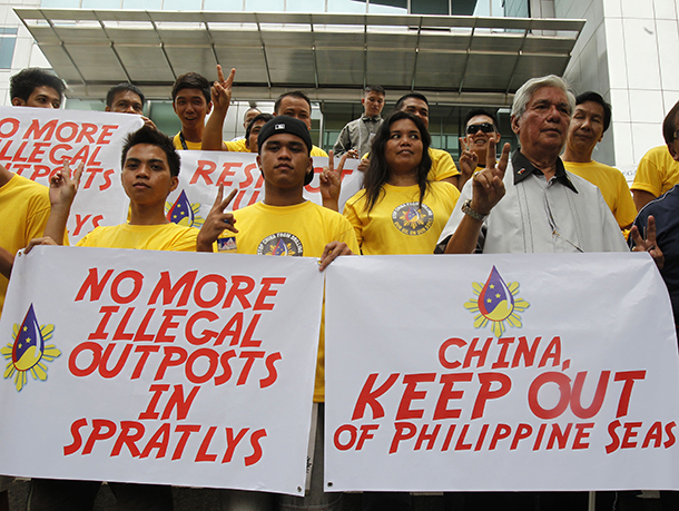 Philippines, China, airstrip, Johnson South Reef, South China Sea, territorial dispute