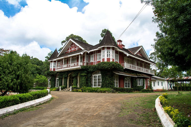 The colonial-era British Club is one of many elegant old buildings in the former hill station of Pyin Oo Lwin. (Photo: Teza Hlaing/ The Irrawaddy)