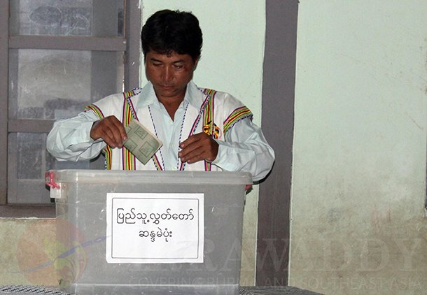 A man votes in the by-election in 2012. (Photo: JPaing / The Irrawaddy)