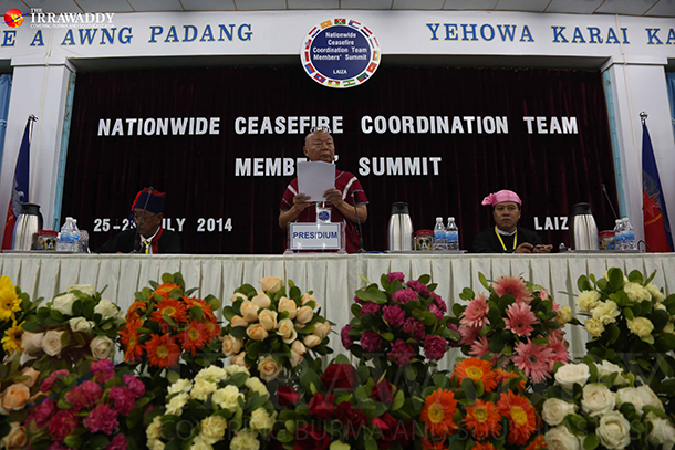 Mutu Say Poe, center, the Karen National Union (KNU) chairman, speaks at the NCCT summit in Laiza on July 26, 2014. (Photo: Thaw Hein Htet / The Irrawaddy)