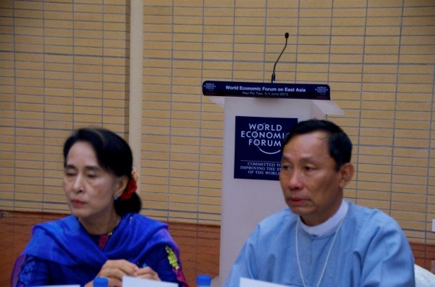 Opposition leader Aung San Suu Kyi, left, sits next to Lower House Speaker U Shwe Mann during lunch at the World Economic Forum in Naypyitaw last year. (Photo: Simon Roughneen / The Irrawaddy)