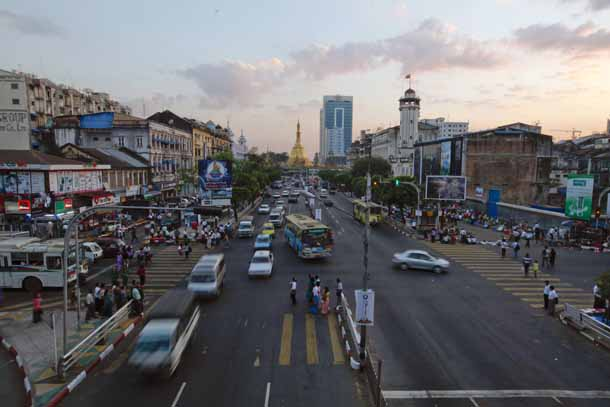 A view of the traffic near Sule Pagoda in downtown Rangoon. The city is expected to grow to 10 million inhabitants in 2040. (Photo: Reuters)