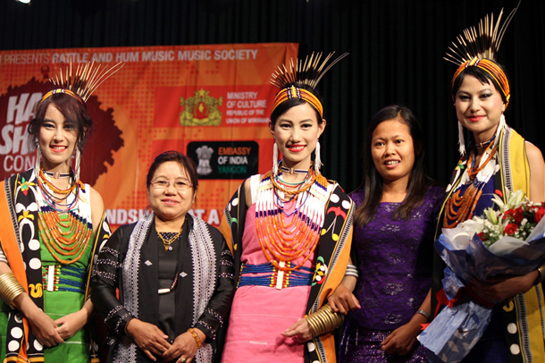 The Tetseo Sisters meet fans after delivering a marvelous performance. (Photo: Jerry Peerson)