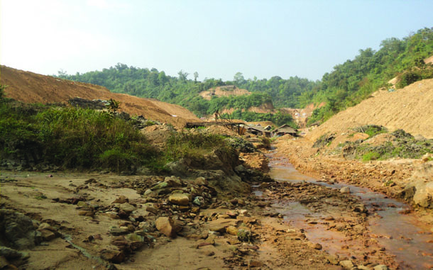 Farmers say the Namkham stream, which is the main source of water in the Loi Kham hills, has become shallow and poisoned due to gold mining activities. (Photo: Shan Farmers' Network)