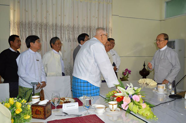 Interim Press Council members talk with President Thein Sein at an earlier meeting in Naypyidaw earlier this month. (Photo: Interim Press Council / Facebook)