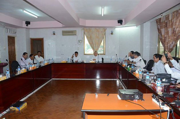 The Interim Press Council meets with Information Minister Ye Htut. ( Photo: Ye Htut / Facebook)
