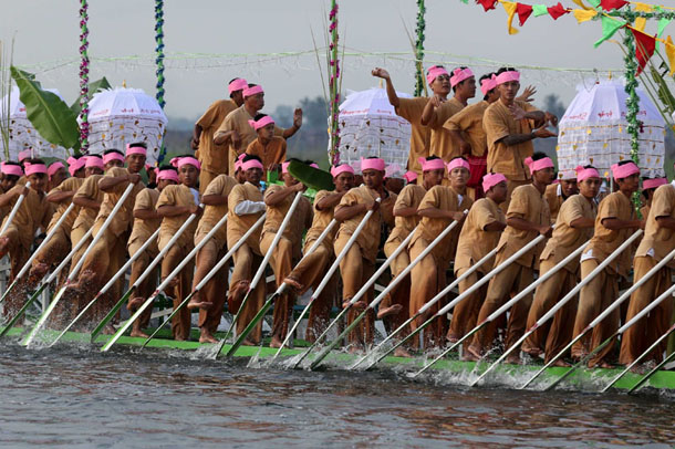 Competitors take part in traditional boat races as part of the annual Phaung Daw Oo Pagoda festival. (Photo: Hein Htet / The Irrawaddy)