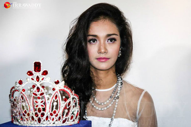 May Myat Noe holds a press conference about the Miss Asia Pacific World 2014 controversy at the House of Memories restaurant in Rangoon on Tuesday. (Photo: JPaing / The Irrawaddy)