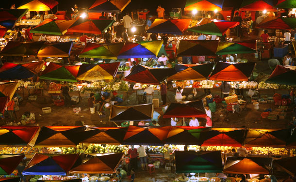 A general view of a weekly night market in Kota Kinabalu in Malaysia's state of Sabah on Borneo island. (Photo: Reuters)