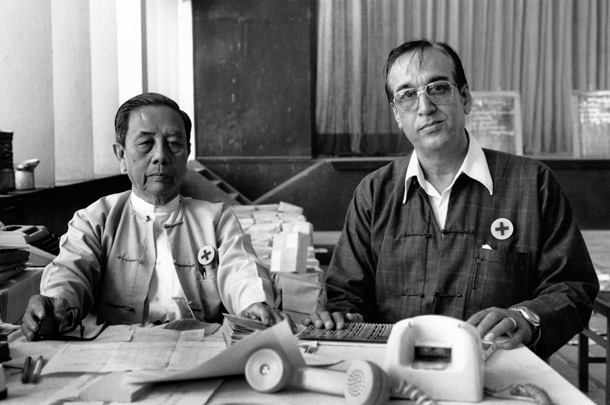 U Bo and S.A. Ginwalla, leaders of the Burma Interfaith Relief Committee, which delivered supplies to poor neighborhoods in Yangon after the uprising in 1988. (Photo: Gaye Paterson)