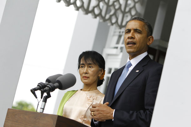 US President Barack Obama talks to reporters during a news conference after meeting opposition leader Aung San Suu Kyi at her home in Rangoon on Nov. 19, 2012. (Photo: Reuters / Soe Zeya Tun)