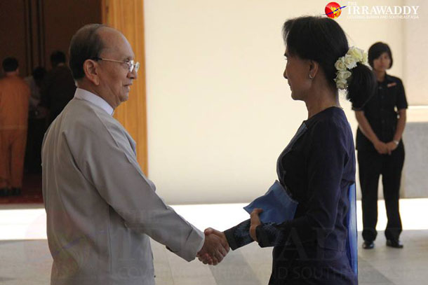 President Thein Sein greets opposition leader Aung San Suu Kyi ahead of the high-level roundtable meeting in Naypyidaw on Friday. (Photo: The Irrawaddy)