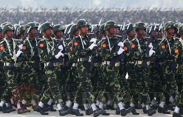 Burma Army soldiers on parade in Naypyidaw on Armed Forces Day on March 27, 2014. (Photo: JPaing / The Irrawaddy)