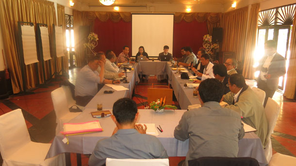 Wednesday's meeting between the National Ceasefire Coordinating Team and the Myanmar Peace Center in Chiang Mai. (Photo: Kyaw Kha / The Irrawaddy)