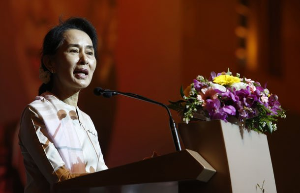 Burma's opposition leader Aung San Suu Kyi speaks to the Burmese community living in Singapore on Sept. 22, 2013. (Photo: Reuters / Edgar Su)