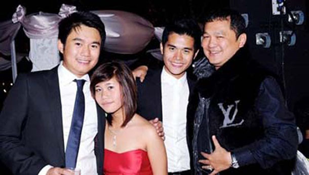 Tay Za (right) with his children. (Photo: The Irrawaddy)