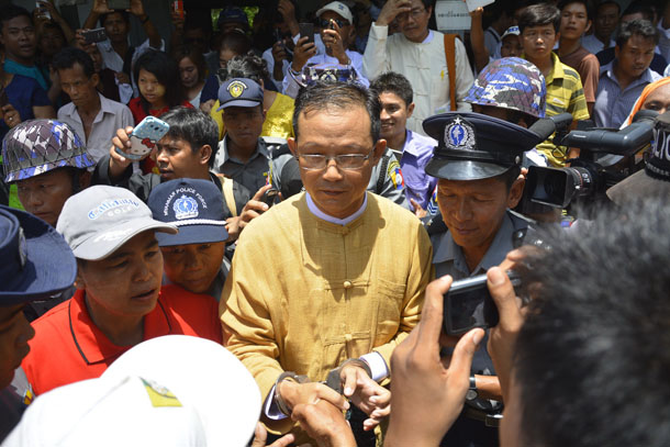 Htin Lin Oo outside the Chaung-U Township court on June 2. (Photo: Teza Hlaing / The Irrawaddy)