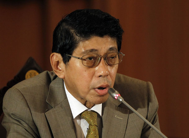 Thailand's National Council for Peace and Order (NCPO) legal adviser and deputy Prime Minister Wissanu Krea-ngam speaks during a news conference on the details of the interim charter, at the Government House in Bangkok July 23, 2014.