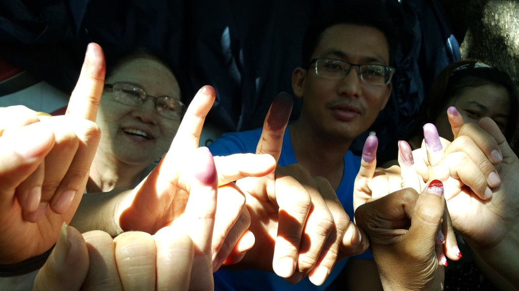 Aungmyaythazan Township voters on Sunday