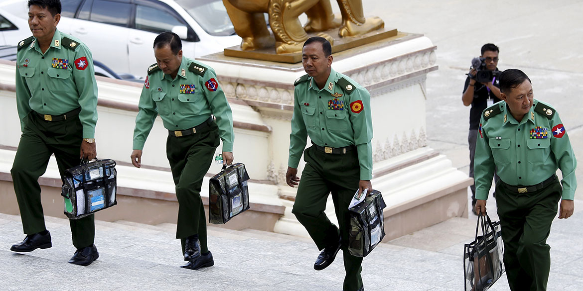 Military parliament members arrive for Myanmar's first parliament meeting after November 8th general elections, at the Lower House of Parliament in Naypyitaw November 16, 2015. REUTERS/Soe Zeya Tun - RTS797Z