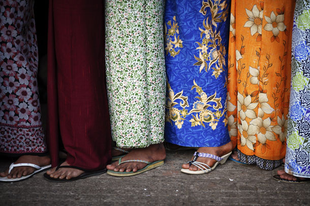 Women at a temple in Rangoon on December 3, 2011. (Photo: Reuters)