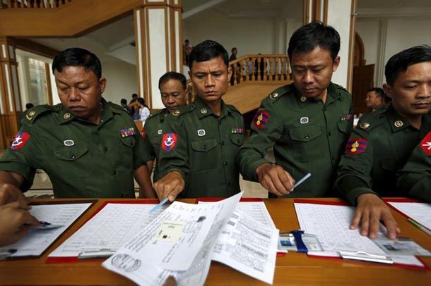 Military representatives arrive at the Union Parliament in Naypyidaw, January 28, 2016. (Photo: Soe Zeya Tun / Reuters)