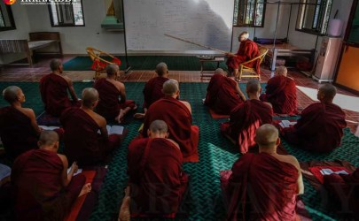 Buddhist monks take lecture at Maha Gandayone Monastery. (Photo: Zaw Zaw / The Irrawaddy)