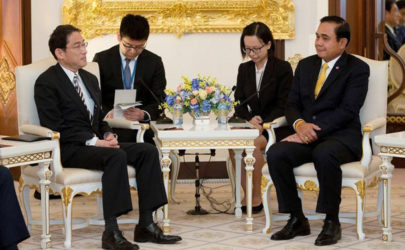 Thailand's Prime Minister Prayuth Chan-ocha meets with Japan's Minister of Foreign Affairs Fumio Kishida at the Government House in Bangkok on Monday, May 2, 2016. (Photo: Reuters)