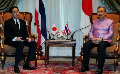 Japanese Foreign Minister Fumio Kishida, left, meets with Thailand's Foreign Minister Don Pramudwinai at the Ministry of Foreign Affairs in Bangkok on May 1, 2016.  (Photo: Reuters)