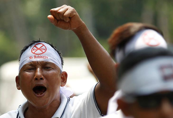 A man protests against the United States for its use of the term Rohingya to describe Burma's stateless Muslim community outside the U.S. embassy in Rangoon, April 28, 2016. (Photo: Reuters)