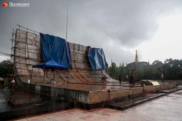 The Martyrs' Mausoleum under renovation on June 15, 2016. (Photo: Pyay Kyaw / The Irrawaddy)