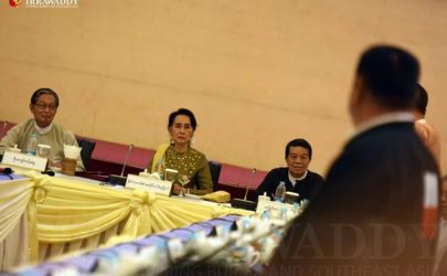 State Counselor Aung San Suu Kyi meets with leaders of the Wa and Mongla non-state armed groups in Naypyidaw on Friday, July 29, 2016. (Photo: JPaing / The Irrawaddy)