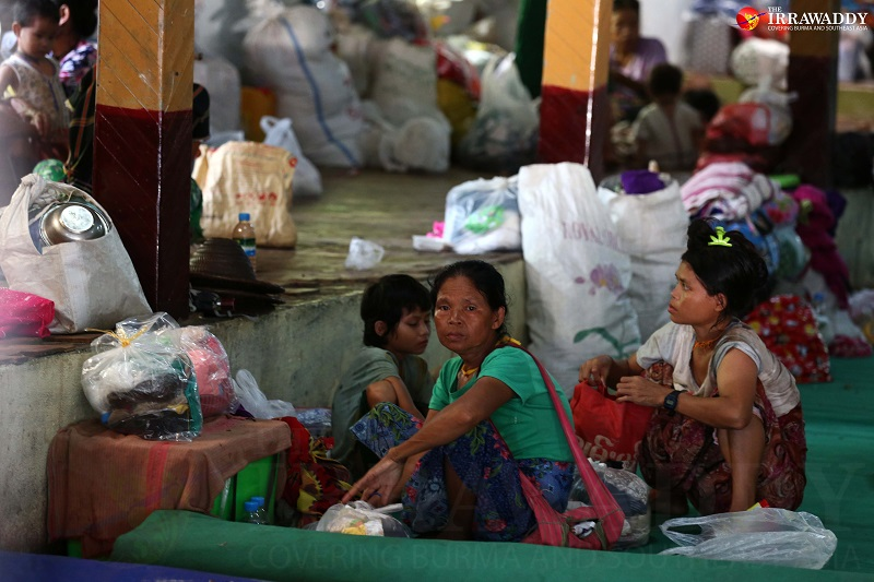 Ethnic Karen civilians take shelter in Myaing Gyi Ngu monastery after being displaced by fighting between a splinter group of the Democratic Karen Benevolent Army and the Burma Army, supported by the Border Guard Force (Photo: Myo Min Soe / The Irrawaddy)