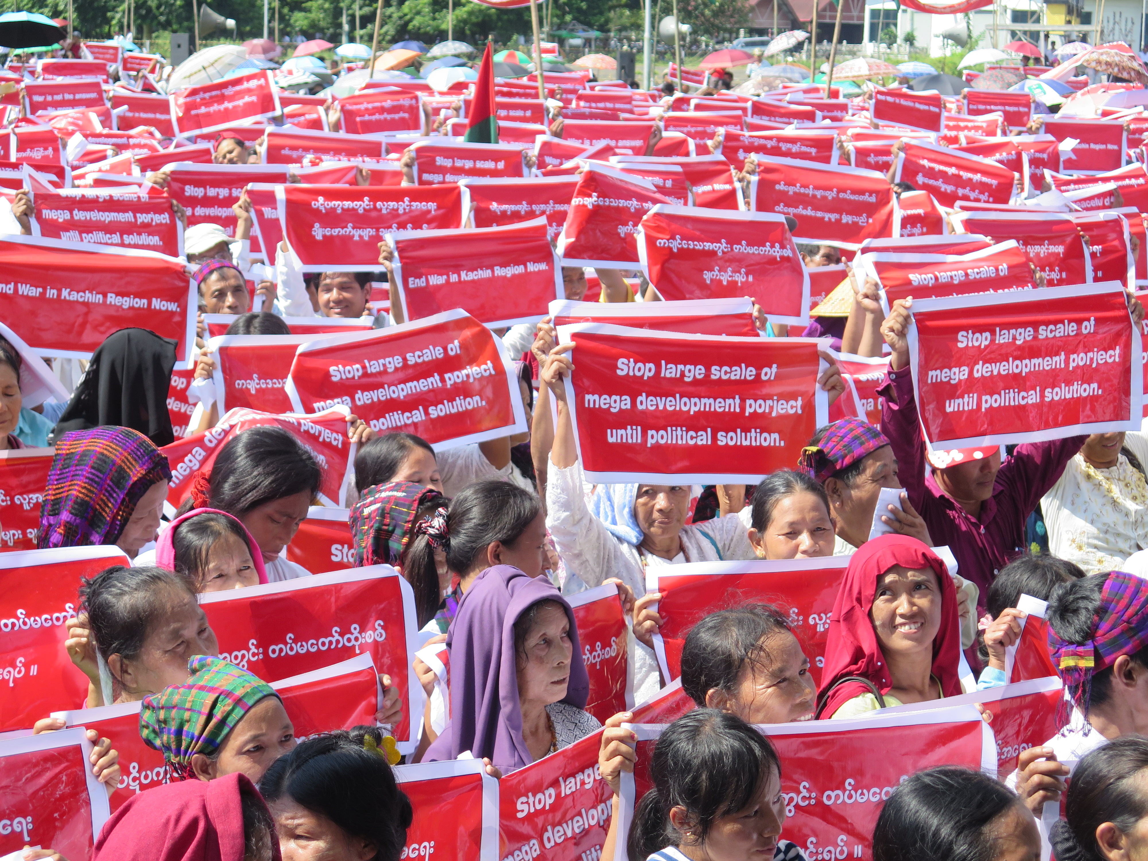 Demonstrators gathered in the Kachin State capital Myitkyina last week to demand an end to conflict in the state. (Photo: Nang Lwin Hnin Pwint / The Irrawaddy)