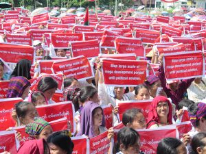Kachin demonstrators in state capital Myitkyina call on…