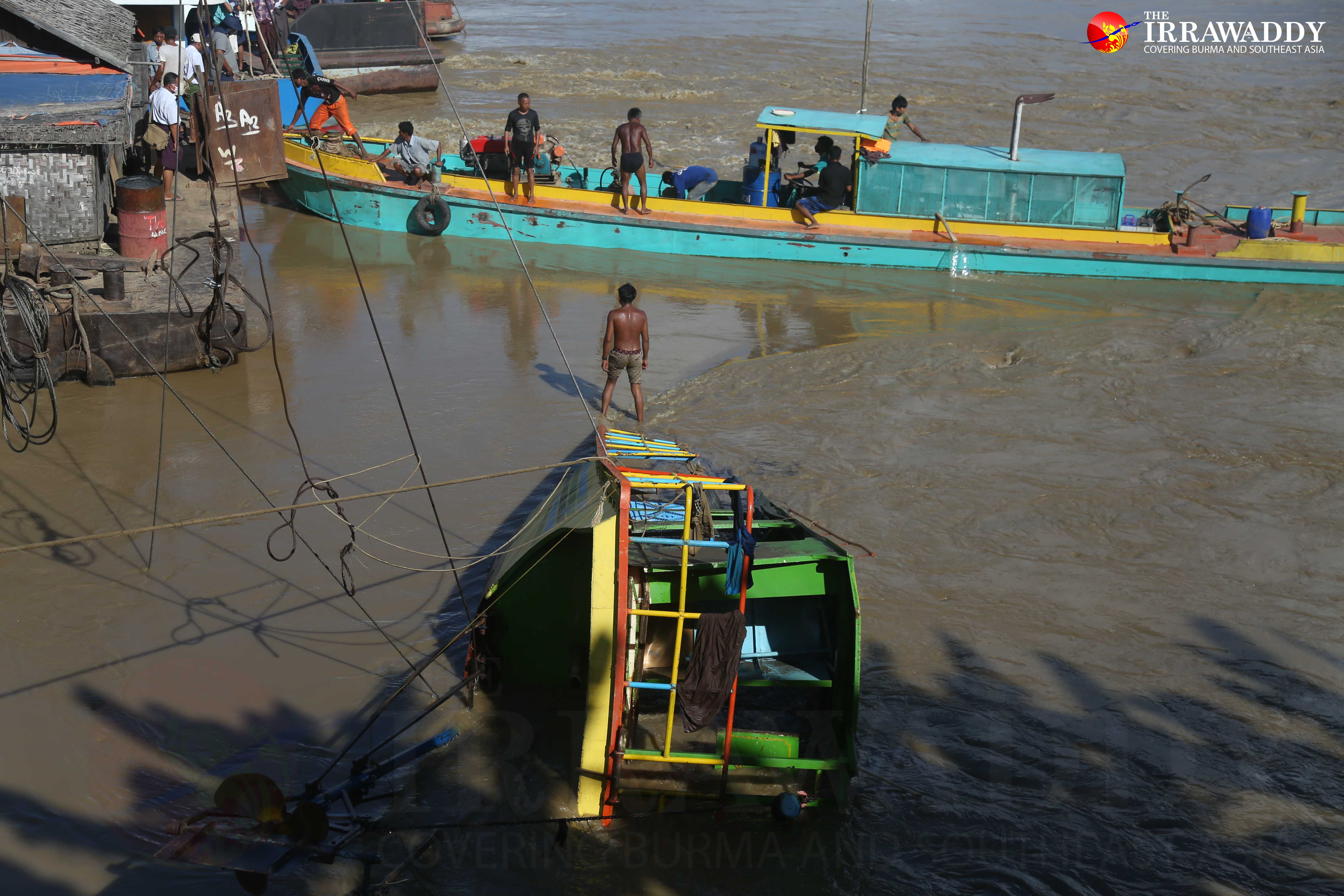 A rescue team tries to salvage a ferry that capsized, and killed at least 40, on the Chindwin River in Sagaing Division's Kani Township. (Photo: Pyay Kyaw/ The Irrawaddy)