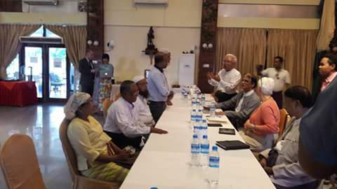 Arakan State Advisory Commission members meet with Arakanese community leaders on Nov. 16 in Sittwe. (Photo: RMC / Facebook)